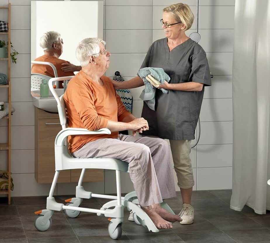 Best Shower Chair For Elderly 2020 Top Rated Shower Seats For Seniors