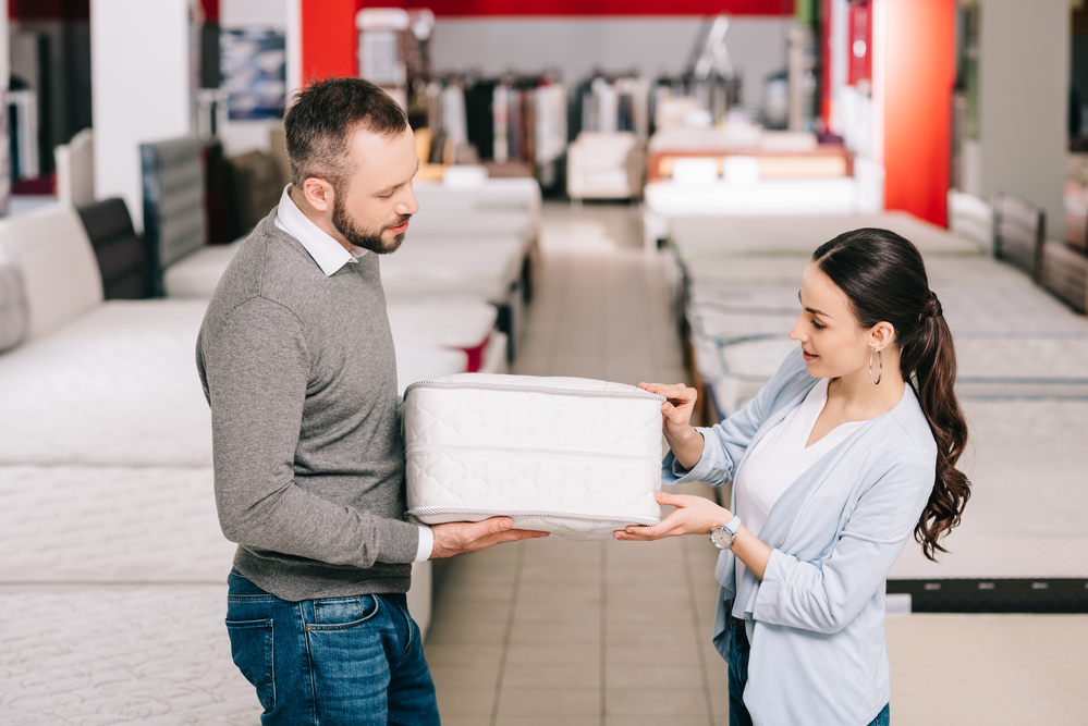 Buying A Mattress Online vs In-Store